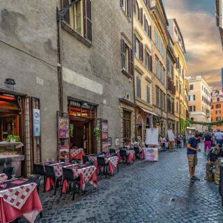 https://bbqterkep.hu/wp-content/uploads/2017/10/restaurant-italian-6-320x320.jpg